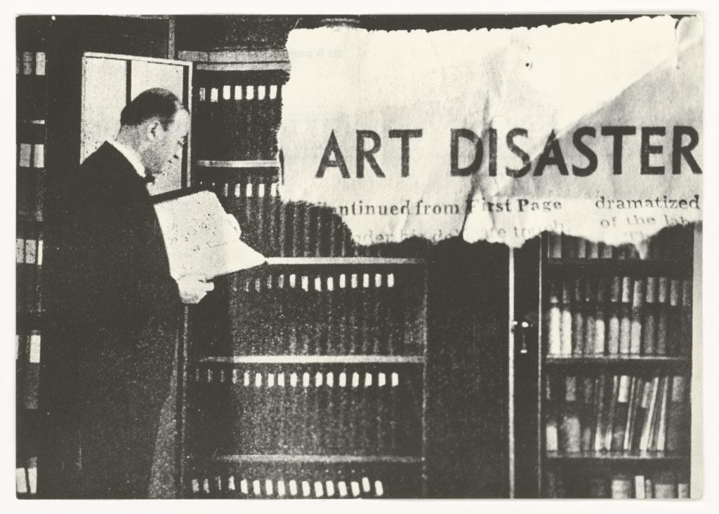 "John Baldessari  art & project, bulletin 41, ""Art Disaster"", 1971 (invitation); Sammlung Marzona, Kunstbibliothek – Staatliche Museen zu Berlin"